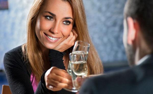 Quels sont les Signes Amoureux et d'intérêts féminins ?