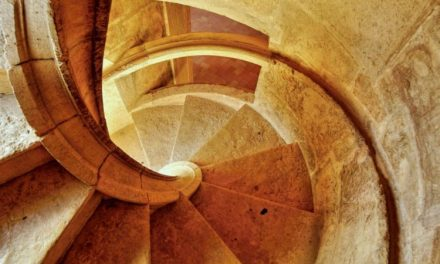 Childhood Questions Answered – Why Medieval Castle Staircases Were Made Clockwise