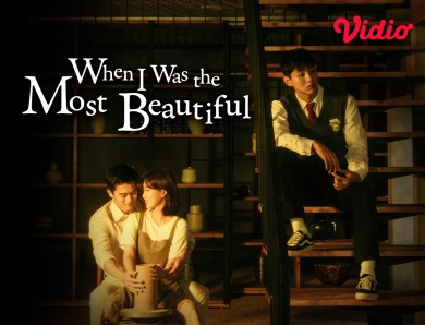 Nonton When I was the Most Beautiful Sub Indo, Kisah Cinta Segitiga Kaka Beradik
