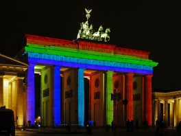 brandenburger_tor_berlin_-_festival_of_lights_2012_-_1065-945-120