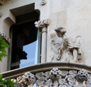 Casa Lleó i Morera Statue with Light Bulb