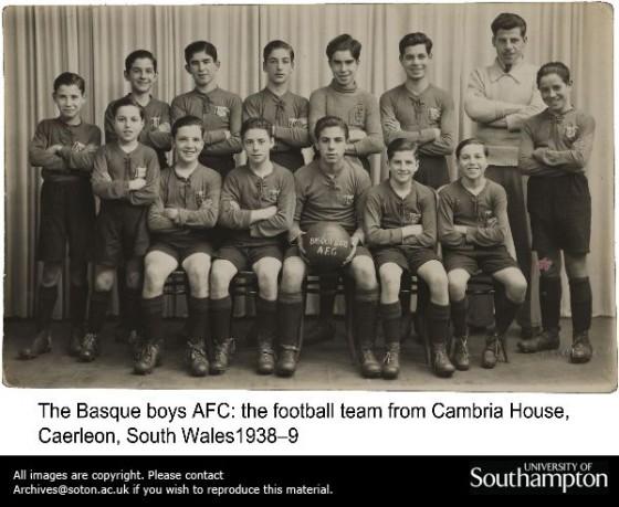 Equipo de futbol de los niños vascos de la Guerra en Gran Bretaña