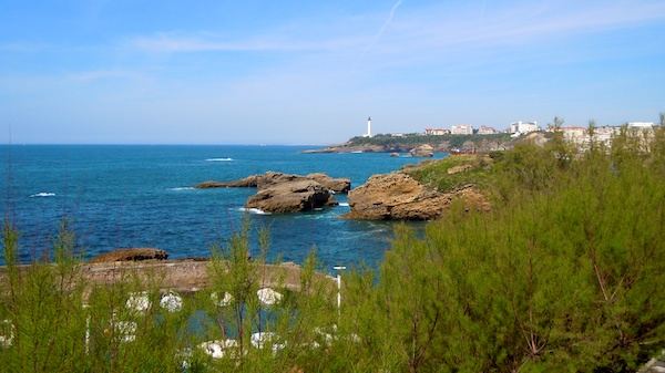 La Costa Vasca en Biarritz, bañada por el Golfo de Bizkaia