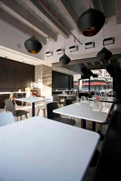 Restaurante Ubon de Kuwait, amueblado con elementos de Alki (Iparralde)