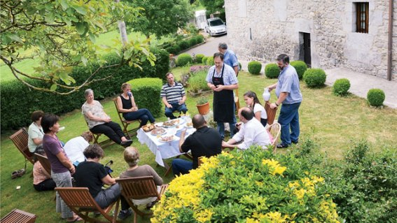 basque-farm-meal_fe