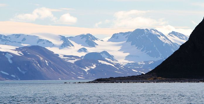 Biscayarhalvøya peninsula on the central part of the north coast of Albert I Land, northern Spitsbergen.