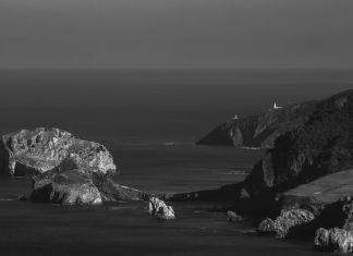 Vista de la Costa Vasca a la altura de San Juan de Gaztelugatxe (fotografía: Roberto Pinedo)