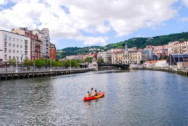 Ria de Bilbao. (Fotografía: christineinspain.com)