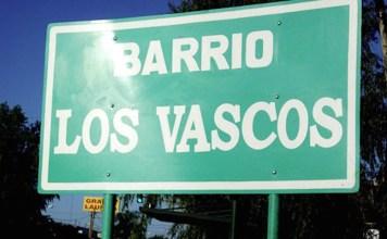 Nuevo cartel que recuerda el nombre de este barrio de Pilar (Argentina)