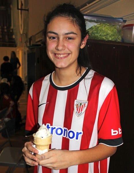 Marta Padura en Keene (Nueva York) luciendo la camiseta del Athletic