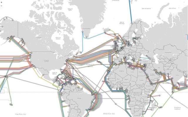 Map of the cables connecting the US and Europe