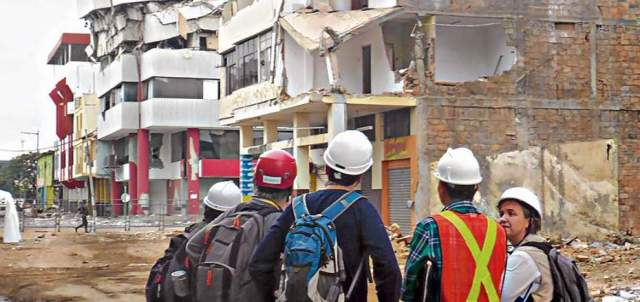 The engineers from Basque company Tecnalia go through Manta to inspect buildings damaged by the April earthquake