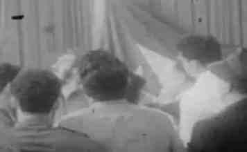 El embajador franquista Lojendio interrumpe una entrevista en directo en televisión al primer ministro cubano, Fidel Castro,