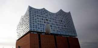 Vista del exterior de la Filarmónica del Elba en Hamburgo, Alemania. La nueva sala de conciertos de la HafenCity se inaugurará el próximo 11 de enero.Foto: EFE