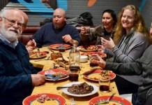 Un evento de recuperación de la cultura tradicional californiana, reproduce una comida en una pension vasca del oeste de los USA