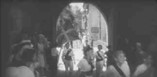 Documental Euskadi (1936). Un grupo de dantzaris entran en Donibane Garazi ondeando la Ikurriña