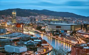 Foto de Bilbao en el suplemento Travel del diario The Guardian