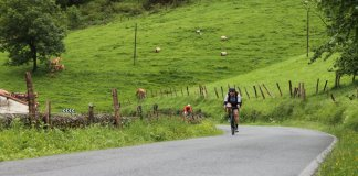 Cyclist visita las carreteras vascas  Photography: Ashley Quinlan