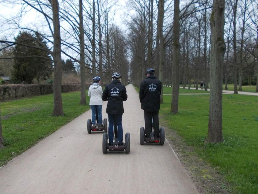 Unterwegs mit den Segways im Französischen Garten von Celle