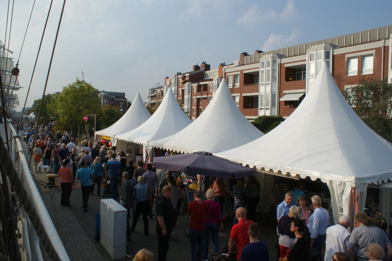 Kajenmarkt am Bontekai Wilhelmshaven   Foto: Barbara