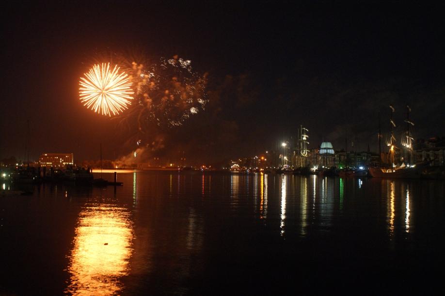 Höhenfeuerwerk im Großen Hafen | Foto: Barbara