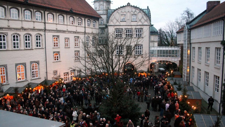 Fröhliches Treiben auf dem Gifhorner Schlossmarkt © Helfen vor Ort e. V.