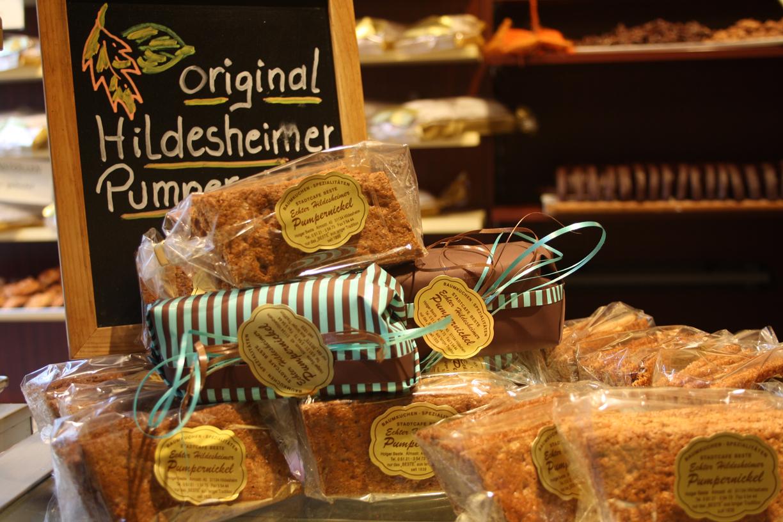 Das Hildesheimer Pumpernickel aus dem Stadtcafé Beste