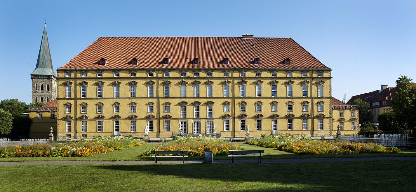 Schloss und Universität - Foto: Detlef Heise / OMT