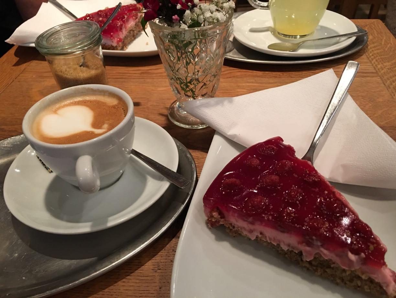 In der Redlingerstraße gibt es viele besondere Dinge, nicht nur kulinarisch empfehlenswert. Foto (c) Katja Uhlenhaut
