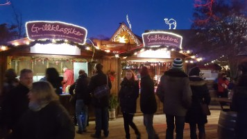 Wintermarkt im Winter-Zoo