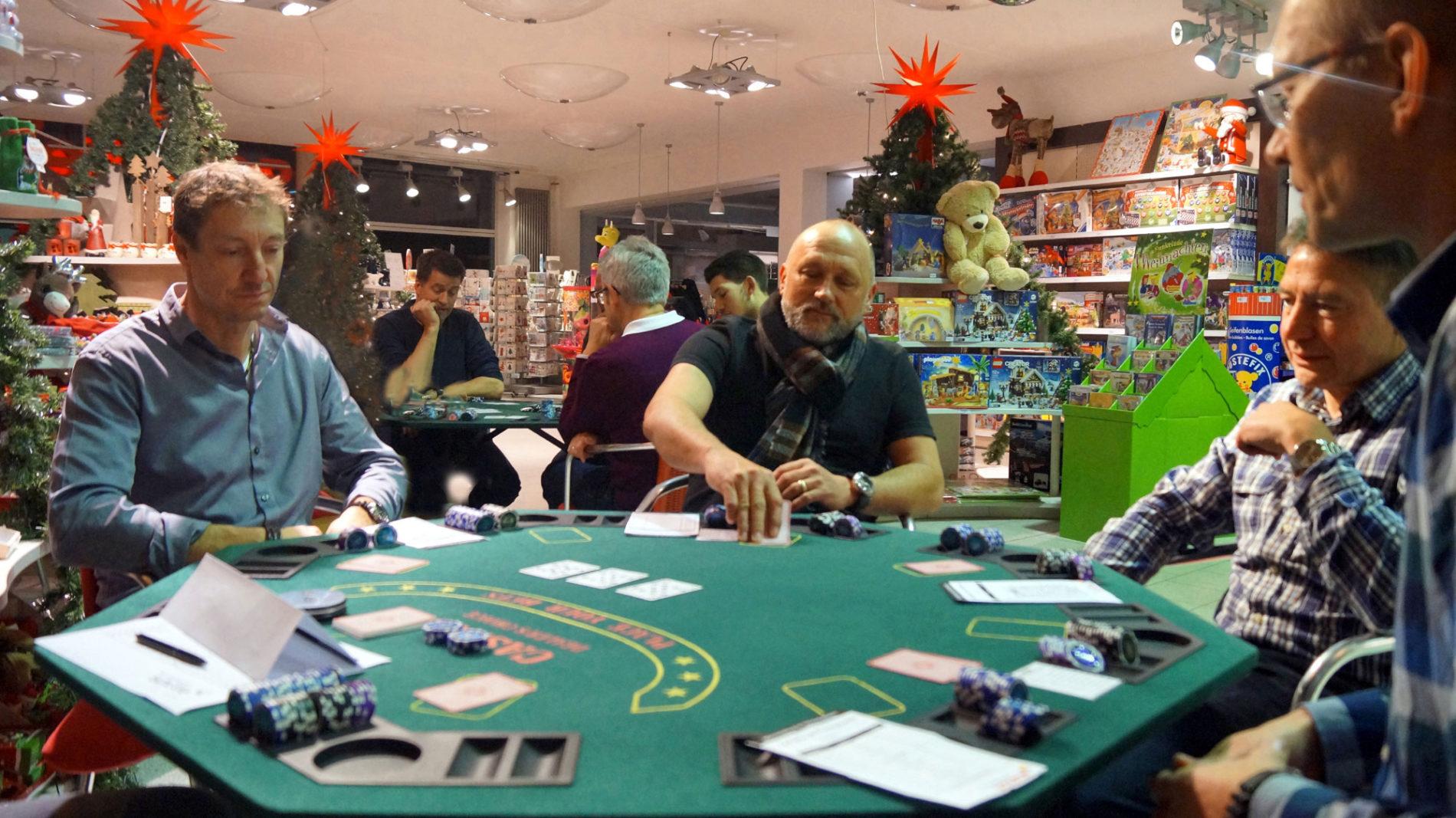 Pokern beim Männerabend im Spielzeugladen Schütte in Gifhorn