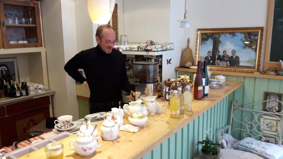 Dabis Kaffeestube - der Chef bedient persönlich