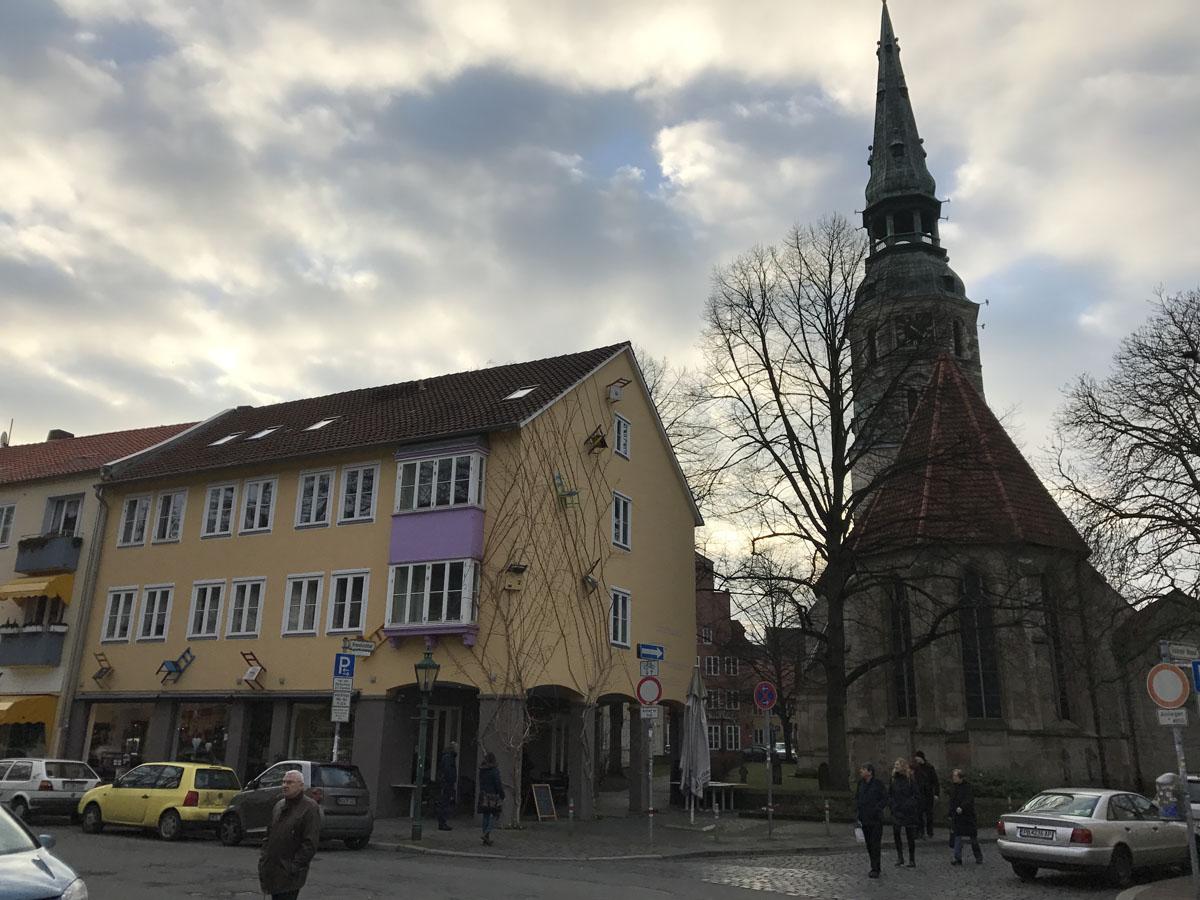 Das Café Krenzchen neben der Kreuzkirche