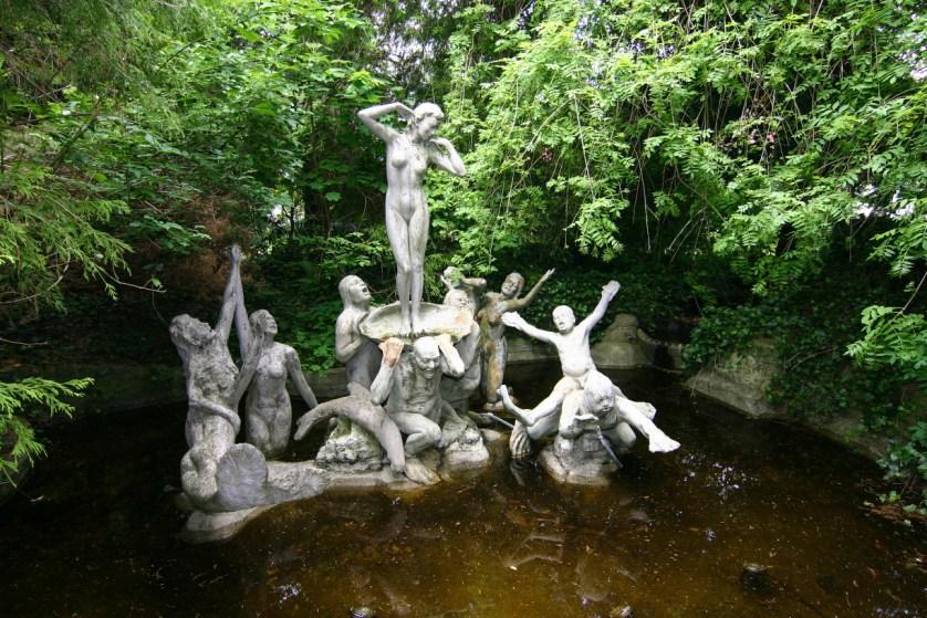 Brunnen. Figuren