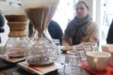 Hier verkosten wir zwei Kaffesorten und fühlen uns wie Barista / Foto: Björn Reckewell