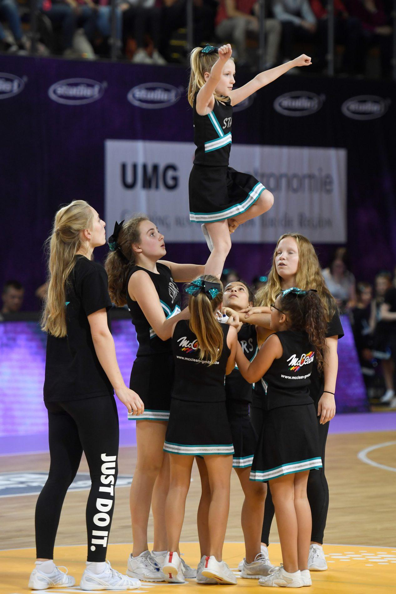 Die Peewees sind als Göttinger Cheerleader eine feste Größe beim Spiel