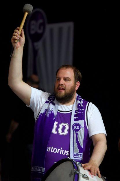 Mit der Trommel in Aktion - Christian Zigenhorn, Fan der BG Göttingen