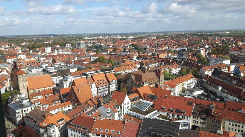 Der historische Marktplatz ist auch aus der Höhe ein Schmuckstück (c) Keno Hennecke