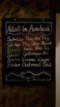 Fein säuberlich aufgelistet, die hauseigenen Biersorten in der Nauti-Bar