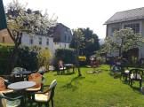 Gemütliche Gartenatmosphäre im Eis Café Renata (c) Giel