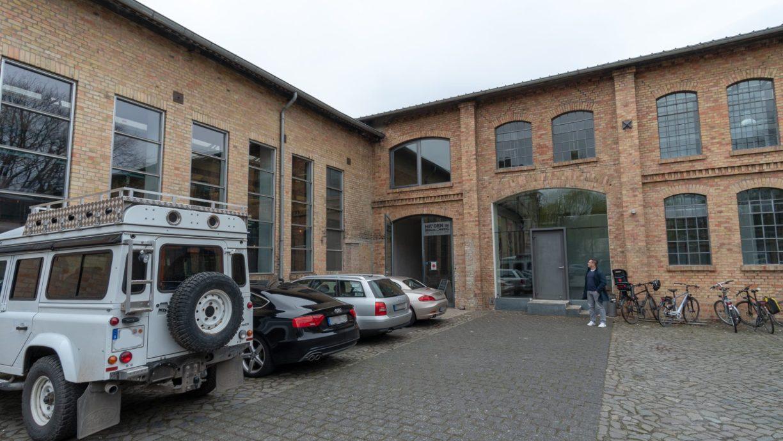 Eine altes Industriegebäude mit Backsteinfassade in der Sitz von Hidden in Braunschweig