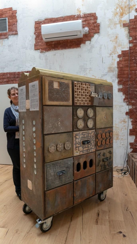 Die Rätseltestbox mit ihren liebenvoll gestalteten Holzrätseln gibt uns einen ersten Eindruck, was uns erwartet