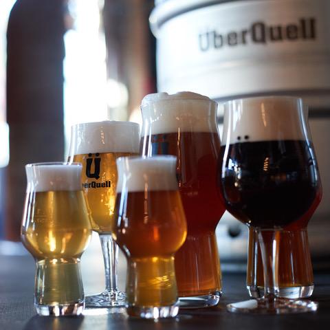Handgemachte Biere der ÜberQuell Brauwerkstätten. © ÜberQuell Brauwerkstätten