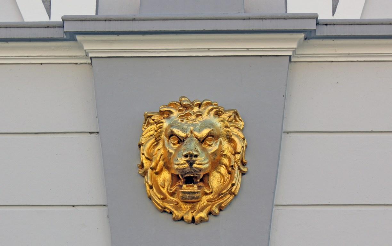 Vergoldeter Haus an Gifhorner Hausfassade