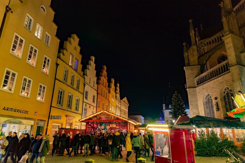 Weihnachtsmarkt Osnabrück: Marktplatz mit Marienkirche