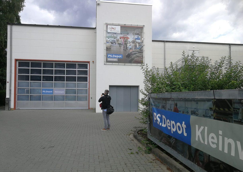 Vor dem PS.Depot Kleinwagen, vom Altendorfer Tor aus gesehen. Foto: Vanessa H.