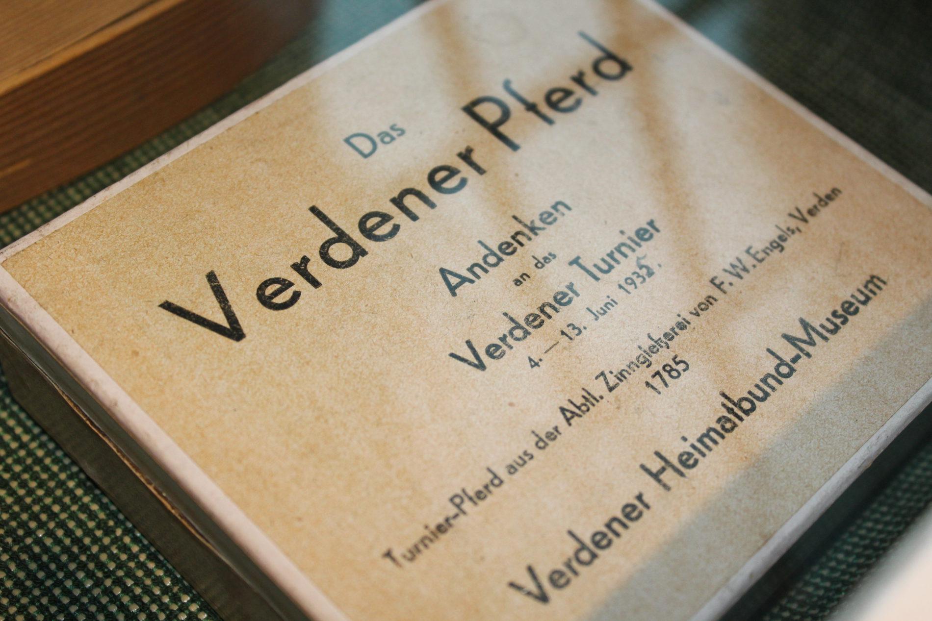 Exponate der Zinngießerei im Domherrenhaus Verden