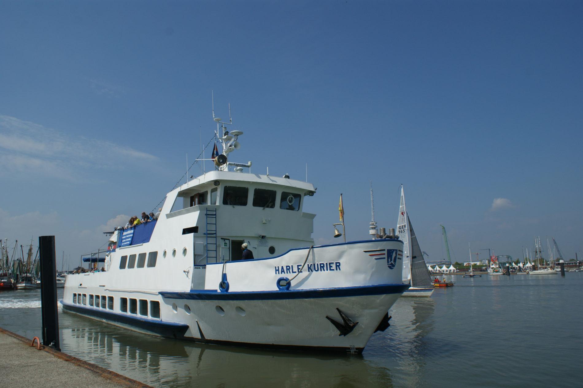 Die MS Harle Kurier im Hafen