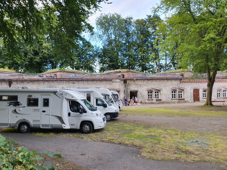 Abenteuerübernachtung im Wohnmobilstellplatz in der Festung Grauerort.