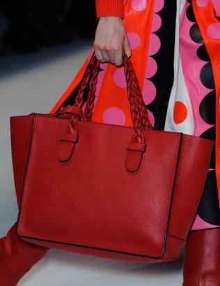 valentino-red-bag-pfw_GA
